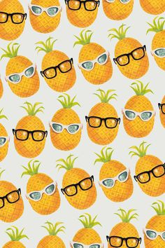 August is National #Pineapple Month. Let's party with #cocktails mixed with pineapple juice!
