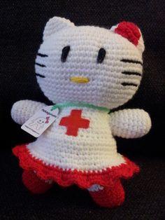 """Hello Kitty """"Maricruz"""" de amigurumi, dedicada a todas las personas que trabajan muy duro en la """"Cruz Roja"""" para hacer que la vida de mucha gente sea un poquito mejor cada día. Mas información en: nekagurumi.blogspot.com"""