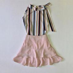 ✨ ✨. O Look lindo e delicado para inspirar! Que tal?  #blusa #blouse #blusinha #regata #estampa  Ref. Blusa Hera.  #saia #skirt #babado  Ref. Saia Hera.