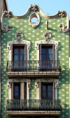 pattern and colour - tiled building - barcelona