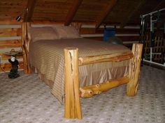Cedar Log Bed- yes please Woodworking Kit For Kids, Woodworking Table Plans, Woodworking Lathe, Woodworking Classes, Woodworking School, Woodworking Videos, Log Furniture, White Furniture, Furniture Stores