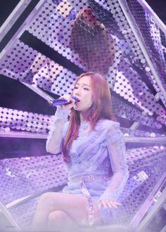 181117 's. Taeyeon Concert in Hong Kong Taeyeon Fashion, Kpop Fashion, Korean Fashion, Girls' Generation Taeyeon, Girls Generation, Seohyun, Snsd, South Korean Girls, Korean Girl Groups