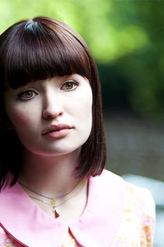 Emily Browning's sleek, 1960's Mod 'do in 'God Help The Girl'… Preppy perfection.