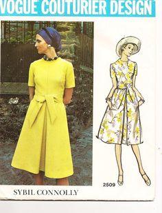 1970s Sybil Connolly dress