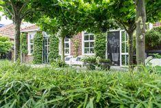 Tuinstijl: Modern, minimalistisch en Scandinavisch - Stek Woon & Lifestyle Magazine Oil Barrel, Garden Design, Planters, Home And Garden, Outdoor Structures, Patio, House, Inspiration, Bungalows