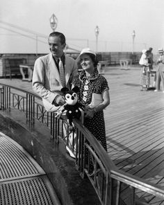 walt and lillian disney | Walt Disney and his wife Lillian arrive from Europe aboard the Rex in ...