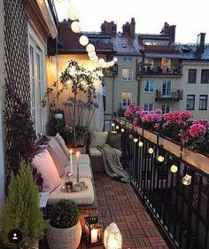 cicekli balkon Herkese mutlu gunler  Birbirinden guzel dekorasyon onerileri icin sayfami takip edin @trendhomedeko begeni ve yorumlari…