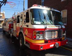 https://flic.kr/p/ScCW4g | PFD Ladder 10 | Philadelphia Fire Department  Ladder 10 2013 ALF