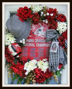 University of Alabama Wreath, Collegiate Wreath