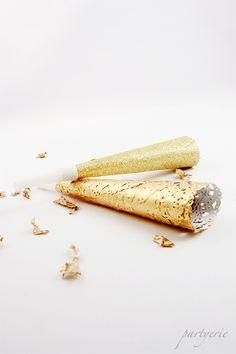 DIY gold and glitter noise maker