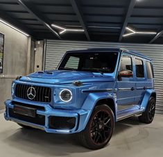 Mercedes Benz G Class, Mercedes Benz Cars, New Luxury Cars, Luxury Suv, Cool Sports Cars, Sport Cars, Bugatti, Lux Cars, Supercars