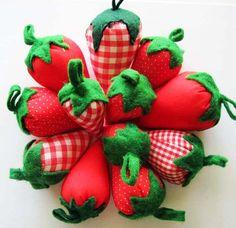 sweet looking pincushions!!