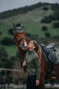 Why do you think is it essential to consider the proper suggestions in acquiring the equestrian boots to be utilized with or without any horseback riding competitors? Equestrian Boots, Equestrian Outfits, Equestrian Style, Equestrian Fashion, Horse Riding Clothes, Riding Hats, Dressage, Types Of Horses, English Riding