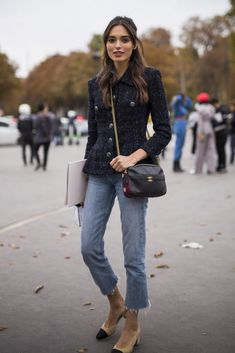 Cómo llevar el ladylike en el siglo XXI Time for Fashion Black Tweed Jacket, Boucle Jacket, Tweed Outfit, Denim Outfit, Cropped Jeans Outfit, Jacket Outfit, Chanel Outfit, Black Pumps Outfit, Chanel Style Jacket