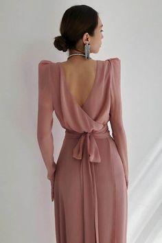 Simple Dresses, Elegant Dresses, Pretty Dresses, Beautiful Dresses, Amazing Dresses, Look Fashion, Hijab Fashion, Fashion Dresses, Fashion Design