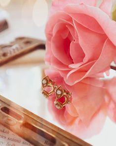 """Gréti 🌸 életmód-divat-smink az Instagramon: """"#𝕣𝕖𝕜𝕝á𝕞 Új fülbevalók. 😍 Mostanában azt vettem észre, hogy a fülem nem bírja a bizsu ékszereket. Van egy egész gyűjteményem minden féle…"""" Wedding Rings, Minden, Engagement Rings, Love, Jewellery, Instagram, Style, Shop, Sapphire"""