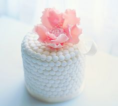 Beautiful Cake Pictures: Little Pearl Wrapped Cake with Large Pink Flower: Birthday Cakes, Cakes with Pearls, Little Cakes Birthday Cakes Delivered, Special Birthday Cakes, Happy Birthday, Beautiful Cupcakes, Cute Cupcakes, Mini Cakes, Cupcake Cakes, Fondant Cakes, Beautiful Cake Pictures