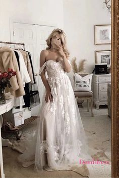 A Line Chic Tulle Wedding Dresse Off The Shoulder Bridal Gown VB5487 #demidress #wedding #weddingdress #weddingdresses #lace #laceweddingdress  #custom #customweddingdress #2020weddingdress #beachwedding #offtheshoulderweddingdress #tulle