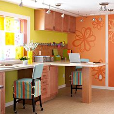This is such a cute craft space!