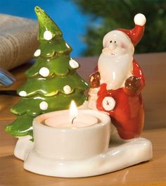 Teelichthalter #Weihnachtsmann aus bunt glasierte Keramik - Ein tolles Geschenk für Jung und Alt. Die handbemalten Figuren werden vom Teelicht angestrahlt und zaubern eine gemütliche Atmosphäre.