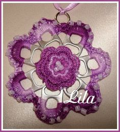 Artes da Lila: Colar flor de lacre com missangas