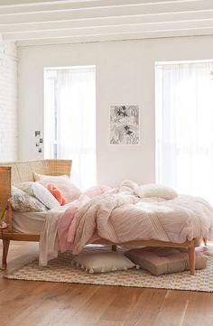 Natural & pastel bedroom