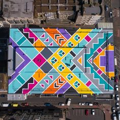 This #geometric rooftop #mural by @artbelieve took 32 days to install and over 400 litres of paint via @designmilk