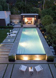 pool im garten 35 Modern Pool Deck Designs for Your Backyard Swiming Pool, Small Swimming Pools, Small Backyard Pools, Backyard Pool Designs, Small Pools, Swimming Pools Backyard, Modern Backyard, Swimming Pool Designs, Outdoor Pool