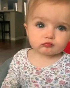 Cute Baby Boy Images, Cute Funny Baby Videos, Funny Baby Memes, Cute Funny Babies, Baby Girl Pictures, Funny Videos For Kids, Cute Baby Pictures, Cute Baby Animals, Funny Kids