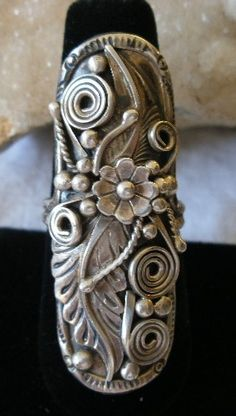 ☯☮ॐ American Hippie Bohemian Jewelry ~ Vintage Sterling Southwest Navajo Foliate Squash Blossom Knuckle Ring