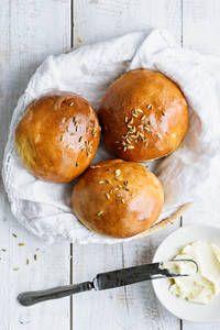 Fenkolisämpylät |K-Ruoka Hamburger, Bread, Food, Brot, Essen, Baking, Burgers, Meals, Breads