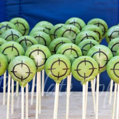 Target cake pops for laser tag birthday . You are in the right place about Nerf Gun Cake ideas Her Paintball Cake, Nerf Gun Cake, Paintball Birthday, Laser Tag Birthday, Laser Tag Party, Army Birthday Parties, 11th Birthday, Birthday Ideas, Birthday Cakes