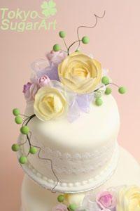 飛鳥さんのお友達へ贈るウェディングケーキの画像:東京シュガーアート 頑張ってシュガーアートを広めてマス!
