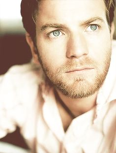 Ewan McGregor <3<3<3<3 I would be speechless in front of him.