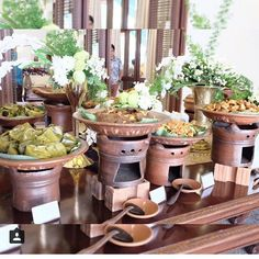 Precious Tips for Outdoor Gardens In general, almost half of the houses in the world… Catering Food Displays, Catering Buffet, Food Buffet, Catering Ideas, Filipino Food Party, Wedding Buffet Displays, Buffet Set Up, Party Buffet, Outdoor Catering