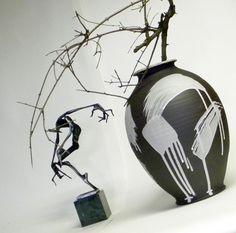 Váza+Černobílá+druhá+Na+kruhu+točená+váza,+výška+29cm,+průměr+21cm.+Vnitřek+glazován+bílou,+matnou+glazurou,+zvenku+gestická+malba+bílou+engobou.+Váza+je+vhodná+na+suché+i+živé+květy.+Tvoří+soubor+s+další+vázou+z+mé+nabídky+a+nejvíce+jim+to+sluší+pospolu,+vytváří+velice+exkluzivní,+výrazný+a+přitom+decentní+doplněk+moderního+interiéru+či+firemního+... Ceramics, Ceramica, Pottery, Ceramic Art, Porcelain, Ceramic Pottery
