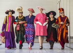 Idiosyncratic Fashionistas: Hats Off! We Make the Centerfold - of The New York Post