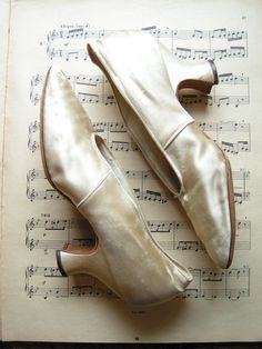 Vintage Silk Wedding Shoes from HH Tuttle Company by CopperAndTin, $56.00