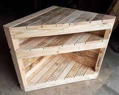 Use Pallet Wood Projects to Create Unique Home Decor Items – Hobby Is My Life Pallet Furniture For Sale, Wooden Pallet Furniture, Wooden Pallets, Diy Furniture, Furniture Chairs, Pallet Sofa, Furniture Online, Luxury Furniture, Outdoor Furniture