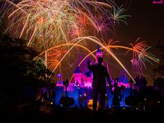 Disneyland - Remember... Dreams Come True! Fireworks Spectacular (145 Second Exposure) by Tom Bricker (WDWFigment), via Flickr