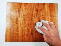 Lo stucco di gesso: ecco a cosa serve e come si colora. Wood, Hobby, Decor, Step By Step, Home, Decoration, Woodwind Instrument, Timber Wood, Trees