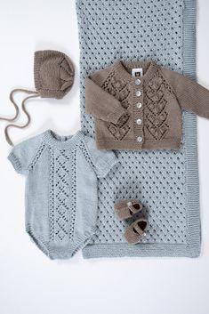 DG396-04 Minsten hentesett lys gråblå | Dale Garn Knitting For Kids, Baby Knitting, Crochet Bikini, Crochet Top, 4 Kids, Children, Baby Barn, Alpaca, Knit Fashion
