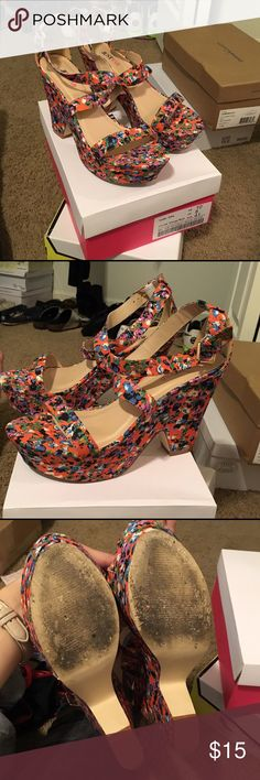JustFab Floral Ellia Heels in Orange Multi Worn three times, EUC, comes with box. Gorgeous platform sandals in an orange floral print. Vintage style, beautiful with a shirt dress or shorts. Runs true to size, extremely comfortable. Offers and bundles welcome. JustFab Shoes Sandals