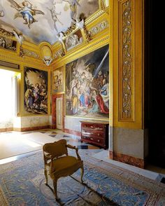 An absolute-art masterpiece in the Royal Palace of Aranjuez. - The of the private Oratory of Carlos IV. Designed by Juan de Villanueva the famous frescoes of this sacred room were painted by Francisco Bayeu between 1790 and 1791. They contained in the walls and in the the grizzlies passages from the life of Our Lady the Virgin Mary; the ceiling represents the Eternal Father. The refined white stuccos were made by Domingo and José Brilli. Royal Palace, Source Of Inspiration, Virgin Mary, Our Lady, Fresco, Fair Grounds, Fine Art, Antiques, Instagram Posts