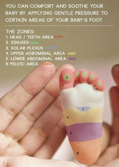 Foto: {Todays Tip} Comfort and soothe your baby using gentle massage on their feet. Via Pinterest.