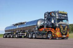 Beautiful Scania tanker truck. Cool Smokey and the Bandit theme.