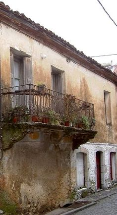 old house.. Vιtina, Arcadia (Peloponnese), Greece