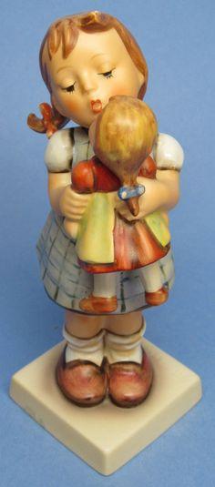 "MI Hummel Goebel Figurine "" Kiss Me "" Hum 311 TMK 6 (1979-1991)"