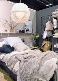 Pretty unmade/made bed