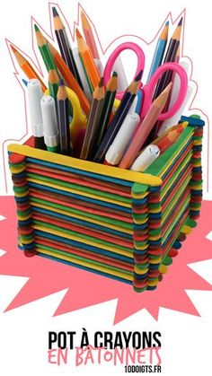 Pencil holder in sticks – Children's activities – 10 Fingers – Crayons Cardboard Box Crafts, Easy Paper Crafts, Diy Arts And Crafts, Diy Crafts For Kids, Fun Crafts, Diy Popsicle Stick Crafts, Pot A Crayon, Pencil Holder, Diy Wall Art